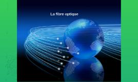 Une fibre optique est un fil en verre ou en plastique très f
