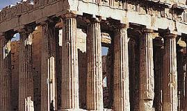 Perseo le corta la cabeza a Gorgona de la sangre que mana  n